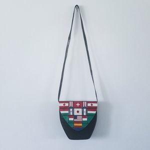 Vtg Margaret J flag black leather crossbody purse